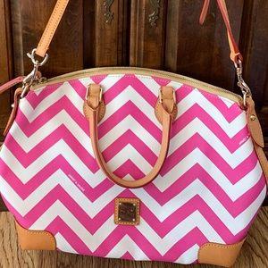 Brand new and never used Dooney and Bourke purse.